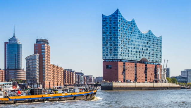Endrundenauslosung zur Euro 2024 in der Hamburger Elbphilharmonie
