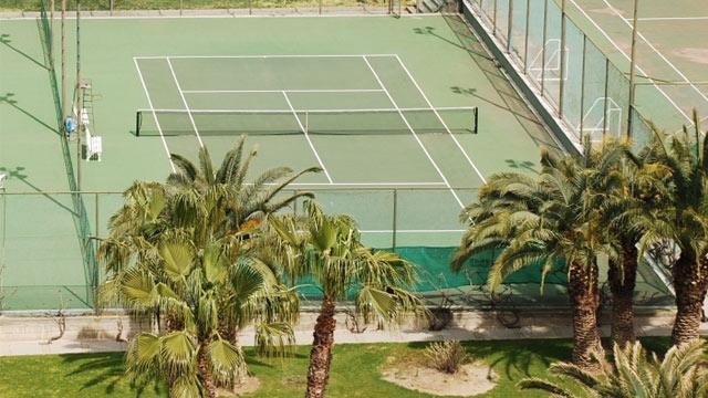 Tennisspielen zur Mandelblüte auf Mallorca