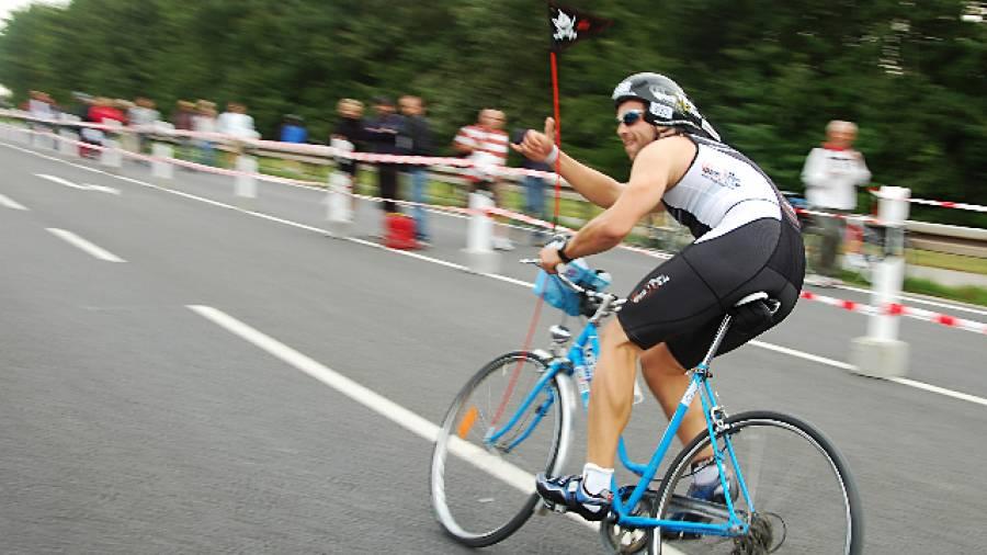 Sporthelden: Iron Maik – Triathlon mit Damenrad