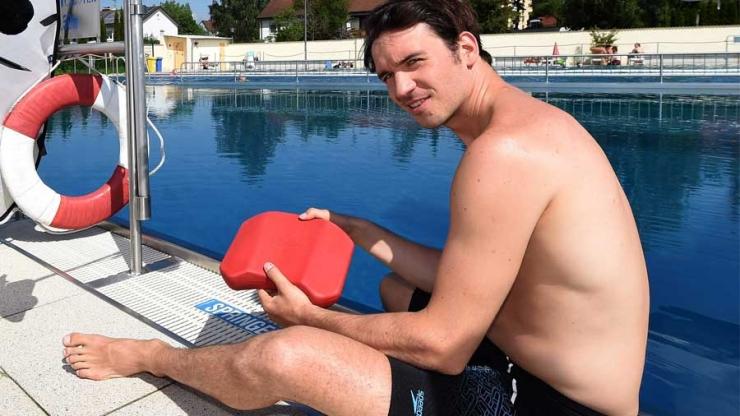 Schwimmtraining: So trainiert Neureuther im Wasser