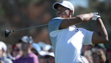 Tiger Woods fliegt aus den Top 100