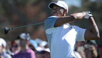 Tiger Woods fliegt aus den Top 100
