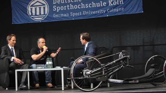 Diskussionsrunde mit Martin Braxenthaler an der DSHS