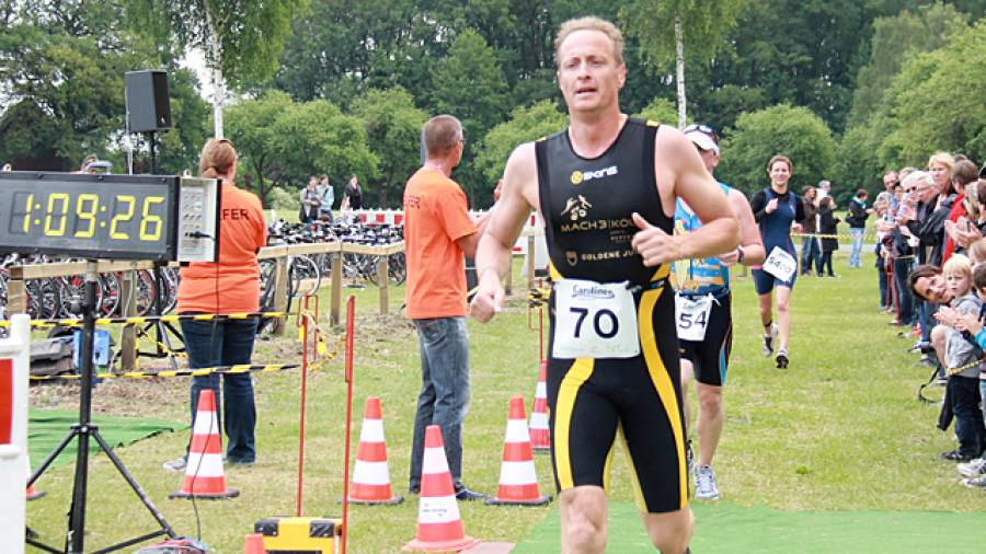 Florian König und Sebastian Hellmann finishen Triathlon