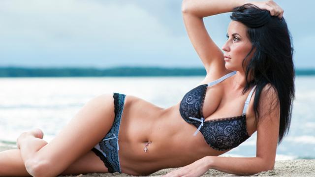 Flacher Bauch - 6 Tipps für die Bikini-Figur