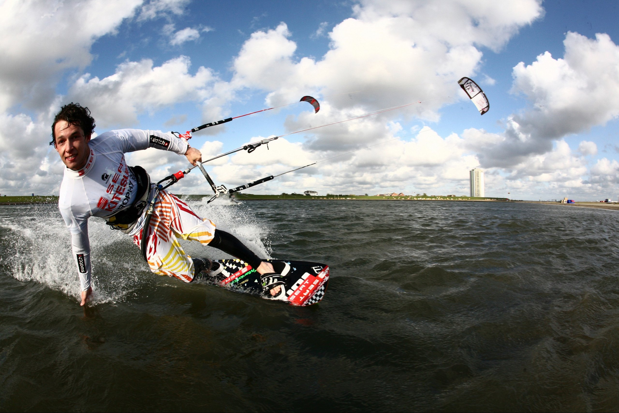 Weltmeisterschaft: Internationale Kitesurf-Elite auf Sylt
