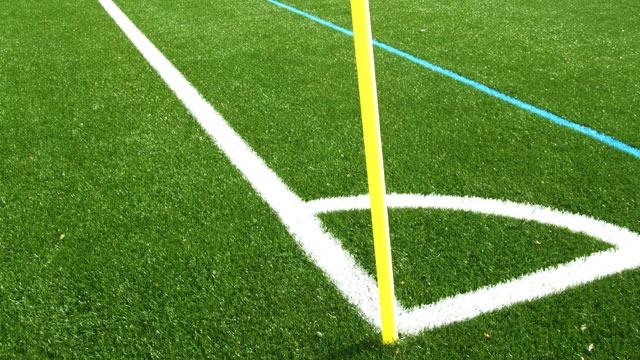 Fußballspielen auf Kunstrasen