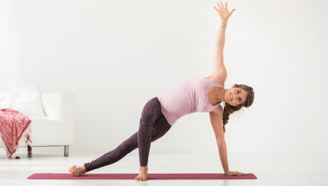 Yoga mit Cathy Hummels: Seitstütz