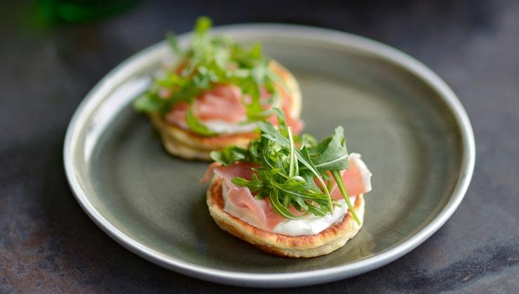 Protein-Pancakes mit Schinken