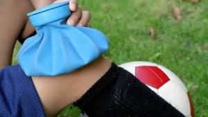 Schmerzen im Knie – Therapie von Dr. Sport