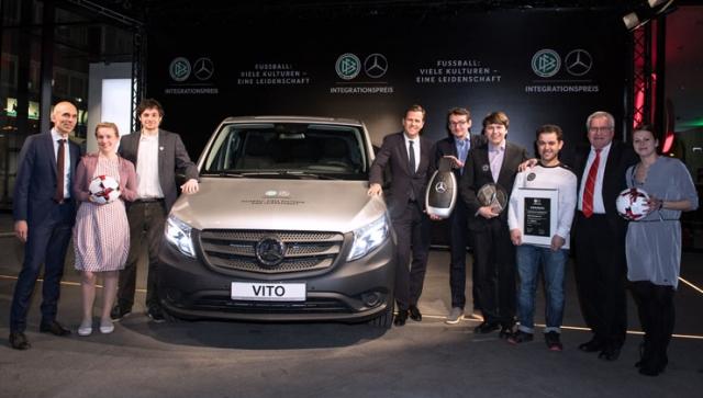 DFB und Mercedes-Benz verleihen Integrationspreis in Dortmund
