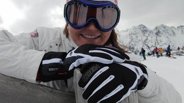 Warm ums Händchen – Der Chiba Wild Roses-Damenhandschuh im Test