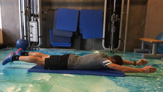 Fit mit Eric Frenzel – der Schwimmer
