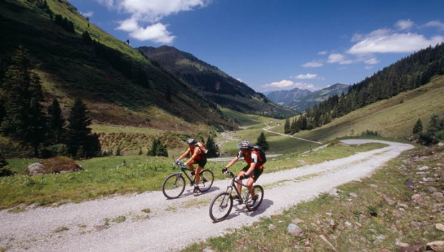 Profis und Amateure im Rad-Eldorado Alpbachtal