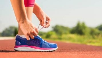 Lauftipp: Bei Druckstellen die Schuhe richtig binden