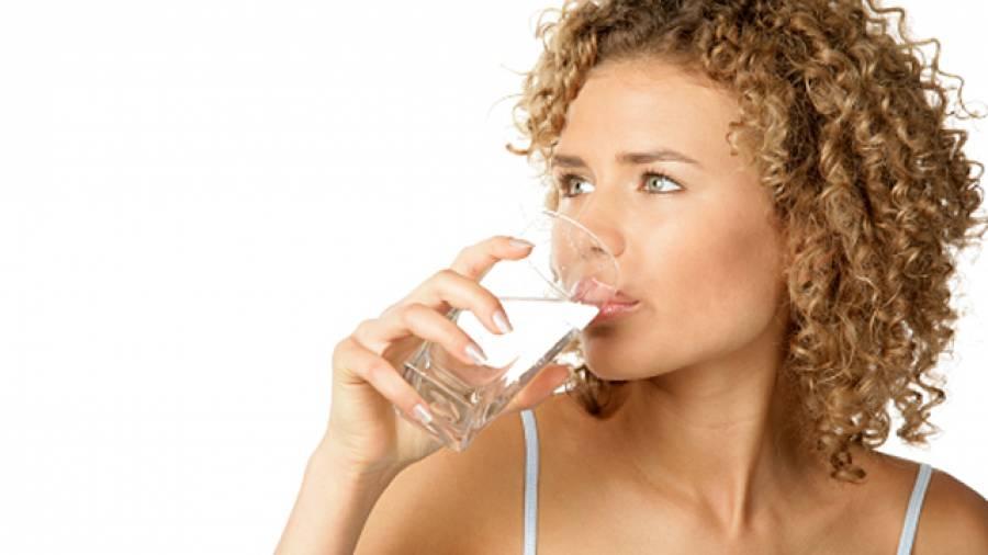 Abnehmen durch wasser trinken