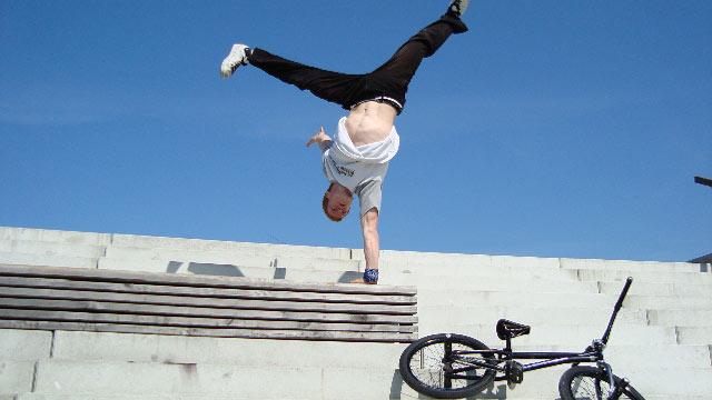 BMX meets Freerun & Breakdance