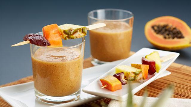 Sportdrinks selber machen – Tropischer Ananas-Papaya-Smoothie