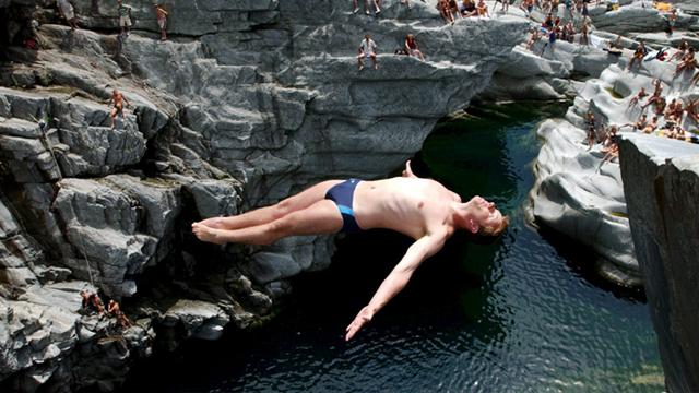 Cliff Diving – Absprung am Abgrund