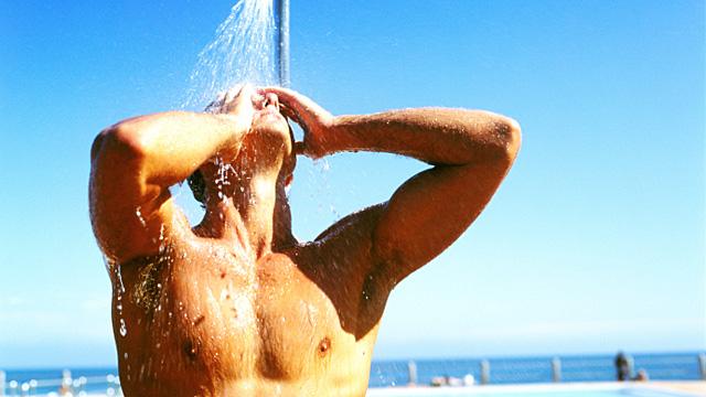 Vorsicht im Schwimmbad - Schadet Chlor der Haut