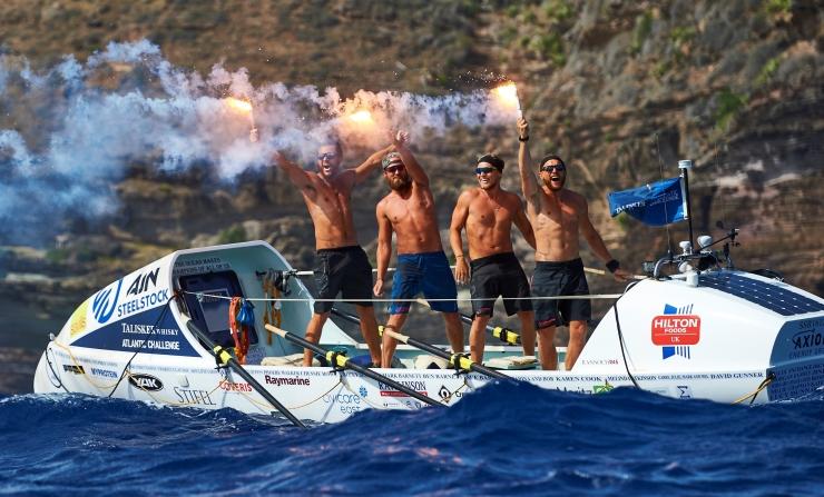 Britische Schulfreunde gewinnen als Team Ocean Reunion Ruderrennen über den Atlantik