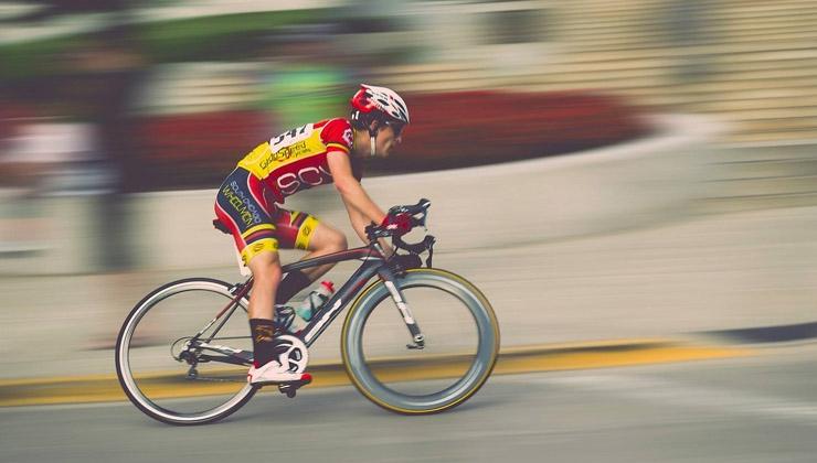 """""""Aufs Fahrrad setzen"""": Radsport-Boom im Profi- und Freizeit-Bereich"""