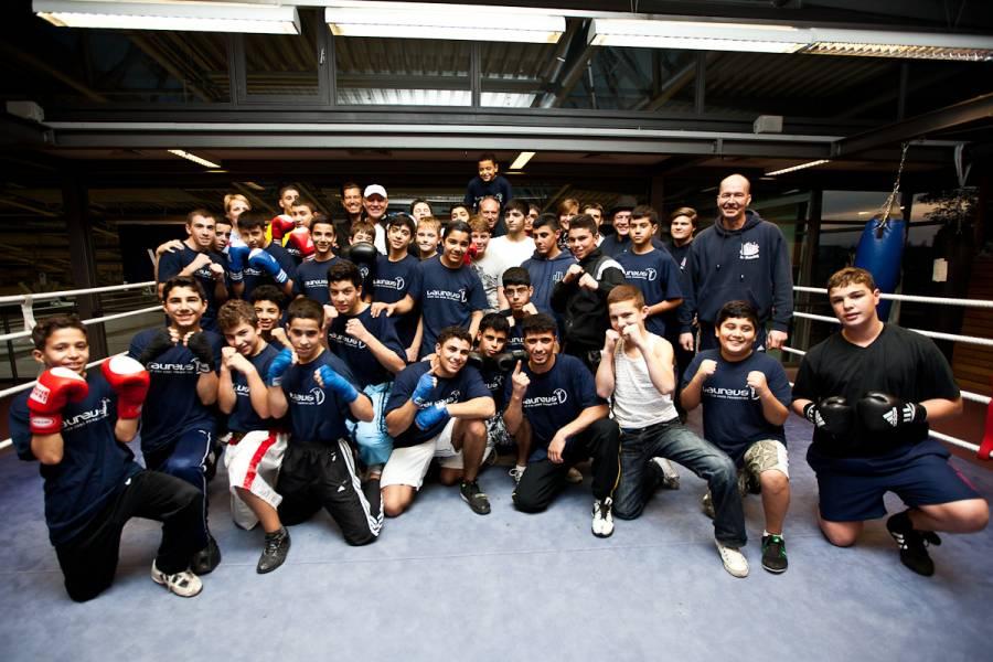 Laureus Vorstand besucht das Berliner Projekt KICK im Boxring