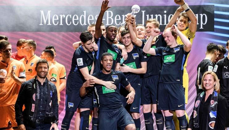 Hertha BSC gewinnt den 28. Mercedes-Benz JuniorCup