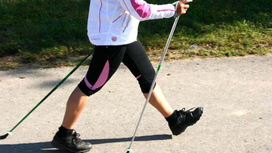 Gelenkschonend: Nordic Walking