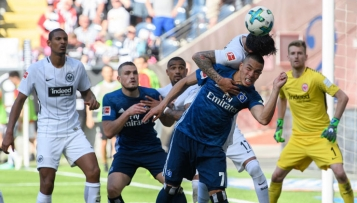 Sportmedizin: Kopfbälle im Fußball – Risiko für das Gehirn?