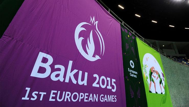 Europaspiele in Baku: Bus fährt österreichische Schwimmerinnen an
