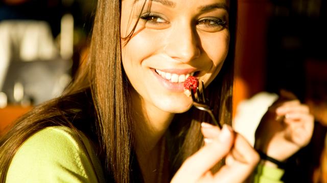 Wer langsam isst, bleibt schlank