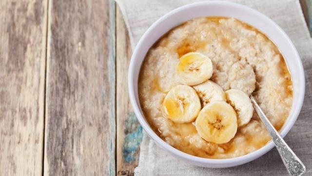 Rezept: Frischkornbrei mit Banane und Apfel