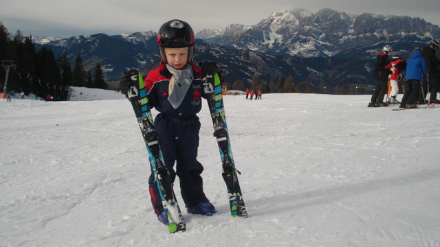 Fahren wie die Großen – Der Elan Junior-Ski