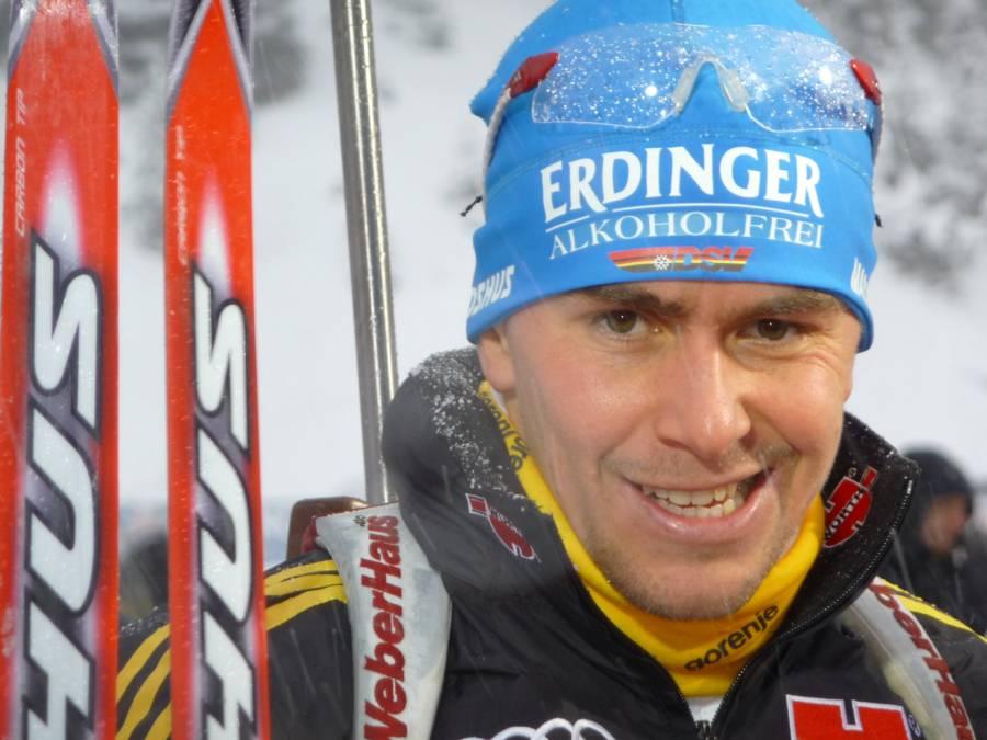 Biathlon 15km Massenstart der Herren: Gold für Ustyugov