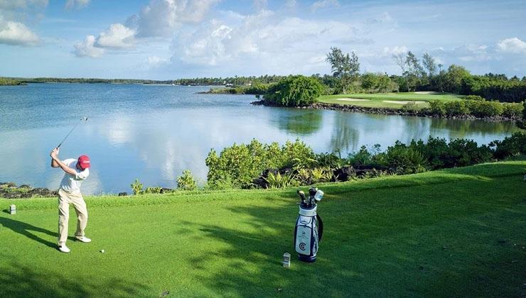 Legendär: Abschlagen im Belle Mare Plage Golf Club
