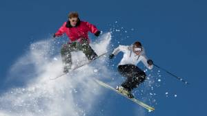 Ski vs. Snowboard – Der ewige Konflikt