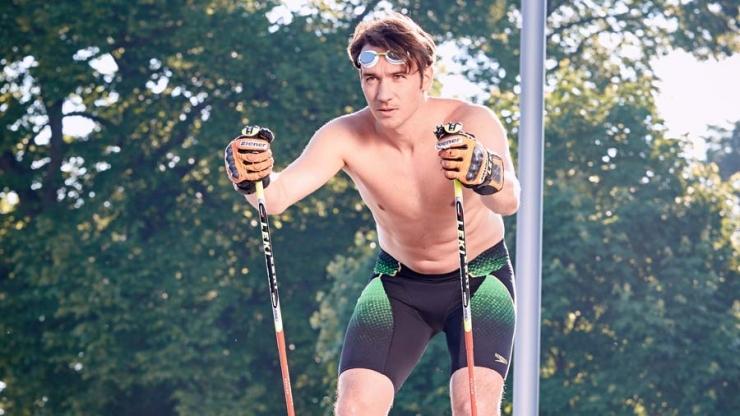 Schwimmtraining: Felix Neureuther springt ins kalte Wasser