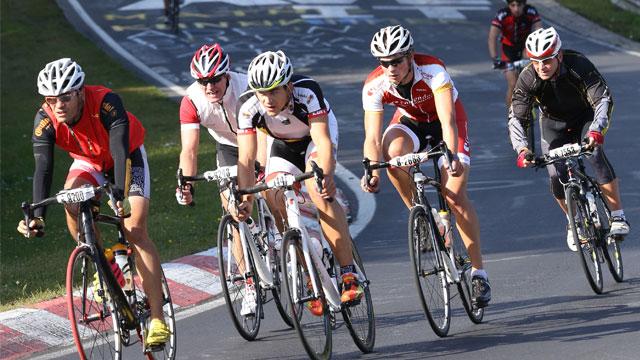 Dextro Energy und netzathleten suchen wieder vier Rennradfahrer für Rad am Ring 2014