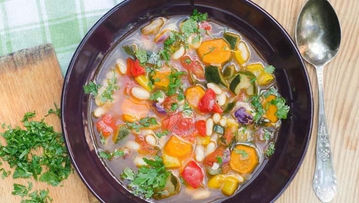Nach kalten Einheiten: Gemüsesuppe