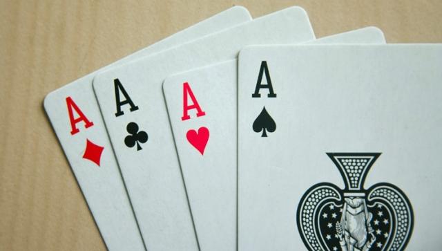 Denksport – Das Gehirn fit halten mit Kartenspielen wie Poker