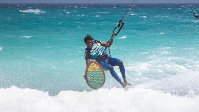 Strapless Kitesurfing – surfen, aber mit Kite