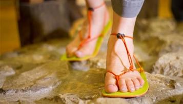 Barfußsandalen – Was steckt hinter den Huarache-Sandalen?
