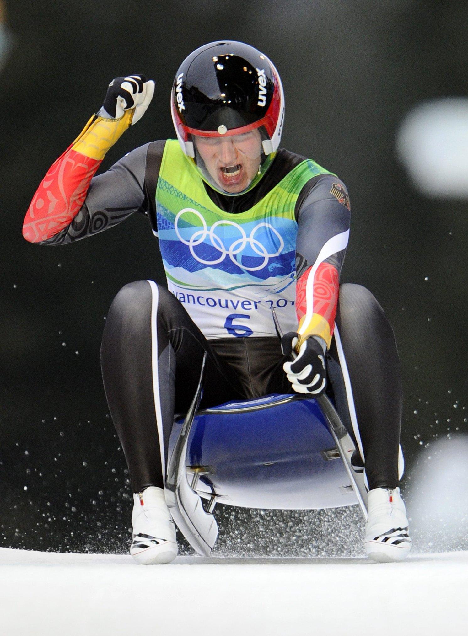 Hüfner Olympiasiegerin - Bronze für Geisenberger