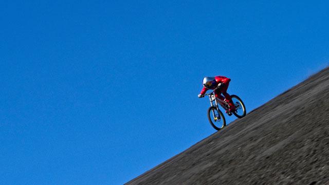 164,95 km/h – Markus Stöckl stellt Mountainbike Speed-Weltrekord am Cerro Negro auf