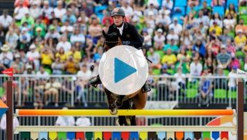 Die Vielseitigkeitsreiter nach der Silbermedaille und Michael Jung nach Gold