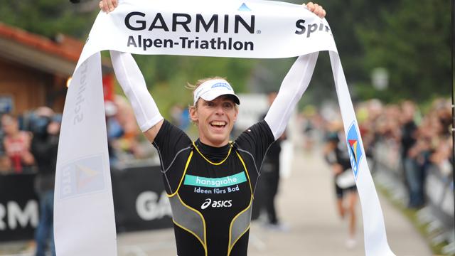 Justus siegt beim Garmin Alpen-Triathlon