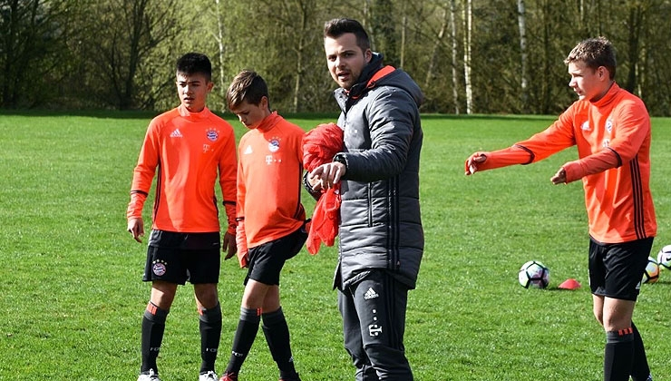 Alex Moj: Hochbegabter Jungcoach fördert die Talente des Rekordmeisters