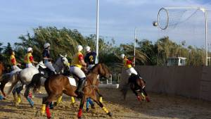 Horseball – Handball und Basketball zu Pferd