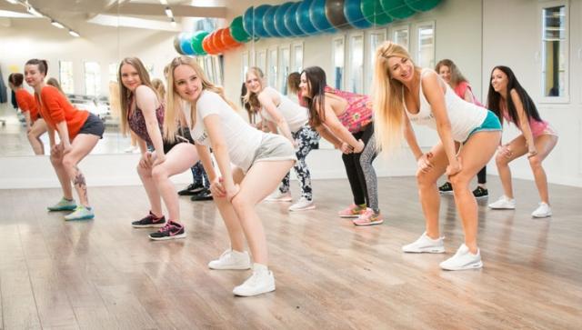 FIBO 2018 zeigt neue Trends wie twerXout und Yoga-Dance
